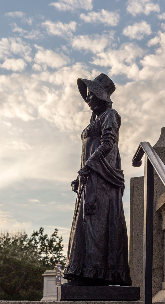 Laura-Secord-Statue---Downtown-Ottawa